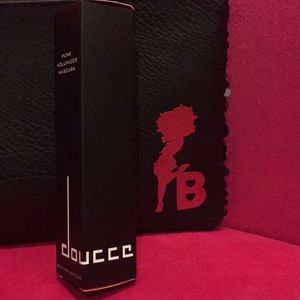 Doucce Makeup - Doucce BLACK Volumizer Mascara NIB Betty Boop Bag
